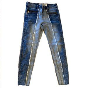 Parasuco Zipper Ankle Jeans Frayed Accent